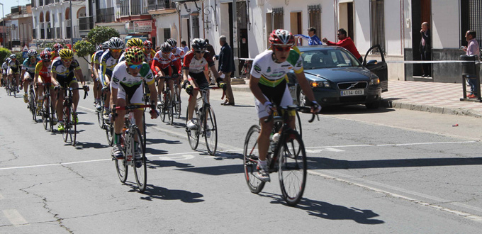 Bollullos se vuelca con el ciclismo y con el recordado Ängel Camacho.
