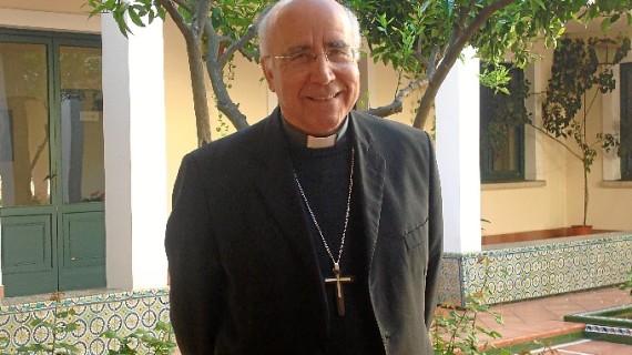El obispo de Huelva, José Vilaplana, galardonado como cofrade 'Insigne 2019'