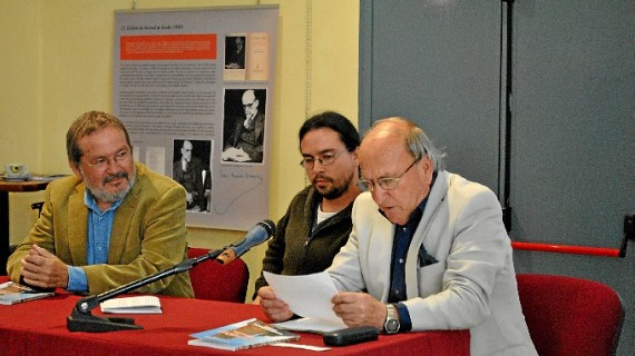 Presentado en Zalamea un libro sobre la historia de veinte emigrantes del siglo XX