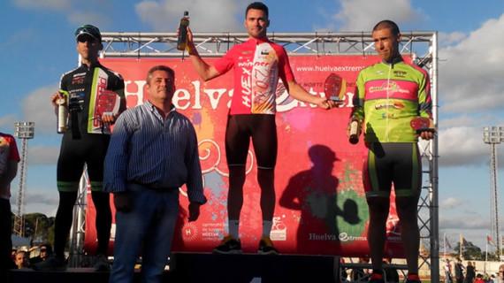 Javier Ramírez Abeja fue el primero en cruzar la meta en Punta Umbría en la II 'Huelva Extrema'