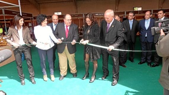 La XI Feria del Aceite de Beas sitúa al oro líquido onubense como referente de la dieta mediterránea