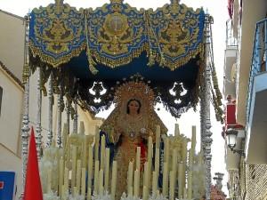 La Virgen de los Ángeles lucirá un fajín militar este 2015.