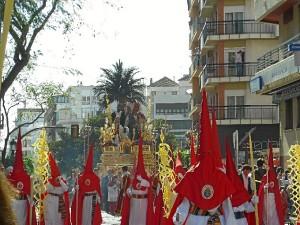 Su paso por el Paseo Santa Fe es de los más característicos del Domingo de Ramos onubense