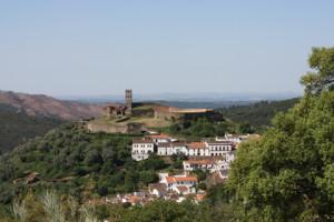 Almonaster, la tierra que vio nacer a Miguel Tenorio y a sus padres.