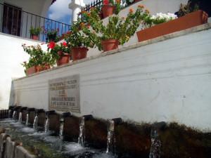 La conocida fuente de los Doce Caños en Fuenteheridos.