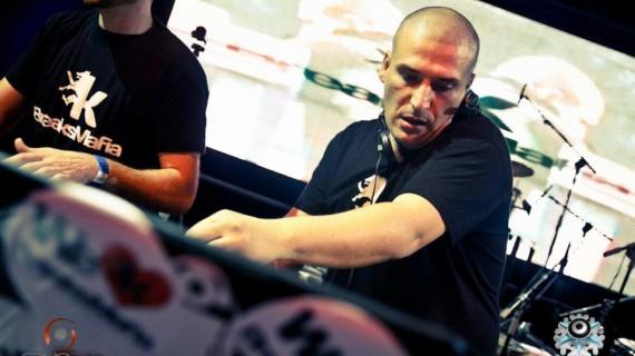 El moguereño Manuel Rasco aspira a convertirse por tercer año consecutivo en el 'Mejor DJ de España'
