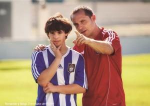 Fernando, recibiendo indicaciones del entrenador del Recre.