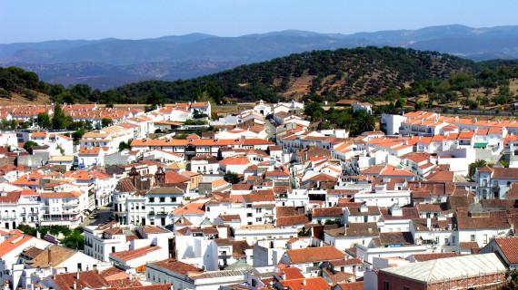 Destinan ayuda económica a inquilinos de viviendas municipales de Ayamonte, Aracena y Aroche