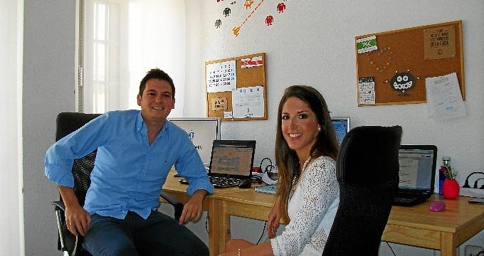 Belén Espino y Enrique Muñoz, dos jóvenes onubenses que apuestan por el emprendimiento con ideas innovadoras