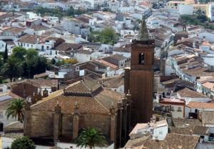 Iglesia del Divino Salvador de Cortegana, uno de los destinos de la plata de Terreros./FOTO:  andaluciarustica.com