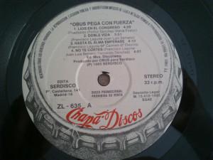 Vicente fundó Chapa Discos, con la que produjo a grupos legendarios del panorama rockero español.