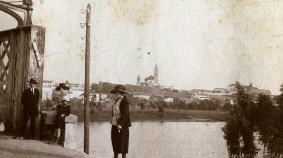Calle Méndez Núñez de Huelva, en los años sesenta del pasado siglo XX