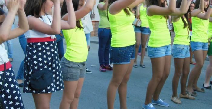 Música, atracciones infantiles, gastronomía y diversión en Lucena del Puerto para celebrar la verbena de la Cruz de Arriba