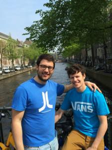 Ángel y su hermano en Amsterdam.
