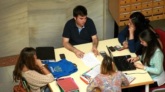 Las pruebas de acceso a la Universidad reúnen en Huelva a cerca de 2.000 estudiantes