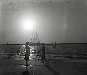 Imagen de Huelva incluida en el catálogo.