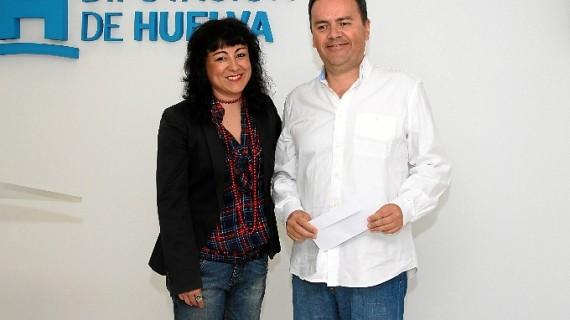 El escritor vasco Miguel Paz recibe el Premio José Nogales por su obra 'Los exterminadores'
