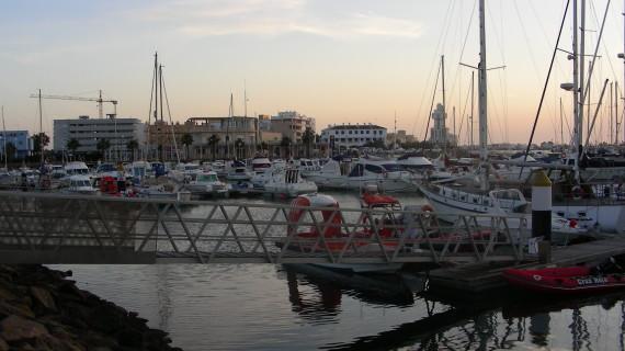 Más de 50 empresas optan al concurso para urbanizar la zona norte de la dársena del puerto deportivo de Isla Cristina