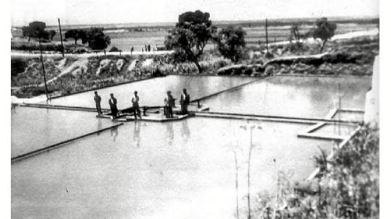 Instalaciones de tratamiento de agua de El Conquero en la década de los sesenta del pasado siglo XX