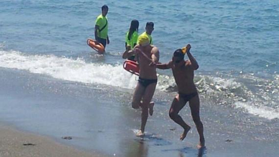 Triunfo del nadador del CN Huelva, Pablo Vázquez, en la Travesía a Nado de la IV Semana Náutica del Club El Candado