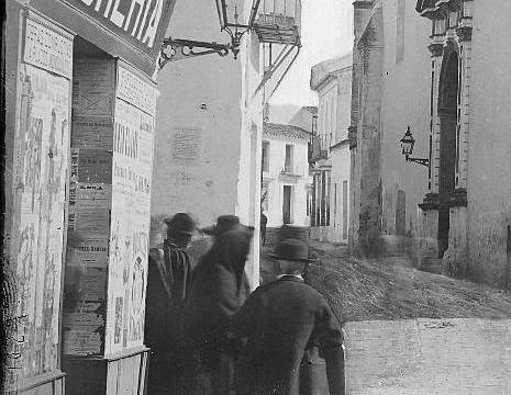 Confluencia de la calle Botica con calle Concepción de Huelva, en la década de los ochenta del siglo XIX