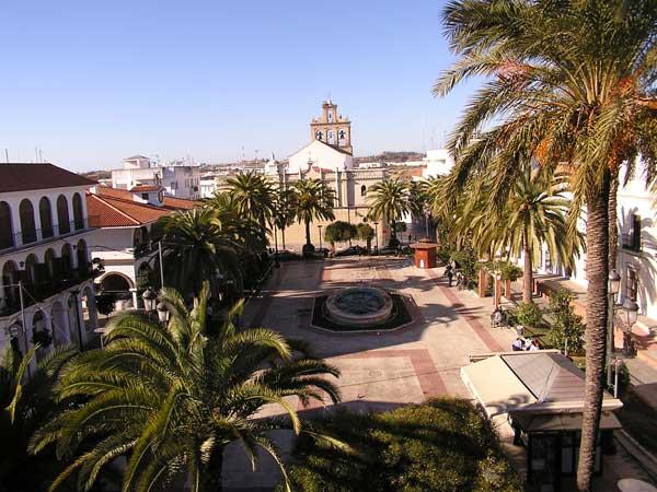 Los trabajos se desarrollan esta semana en Pinares de Lepe, el recinto romero, El Terrón y La Barca.