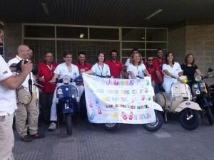 Tour Vespa de Córdoba con el mensaje de los niños de oncología de Córdoba para los niños onubenses.
