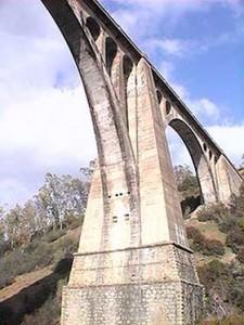 El puente de 'Las Tres Fuentes' fue construido por un discípulo de Eifefel.