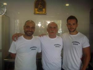 Juan Miguel o Miguel como todos le conocen, junto a su sobrino Ricardo (a la izquierda) y su hijo Juan Miguel (a la derecha).
