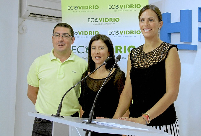 'Mensaje en una botella' para concienciar e informar del reciclado de envases de vidrio en la provincia