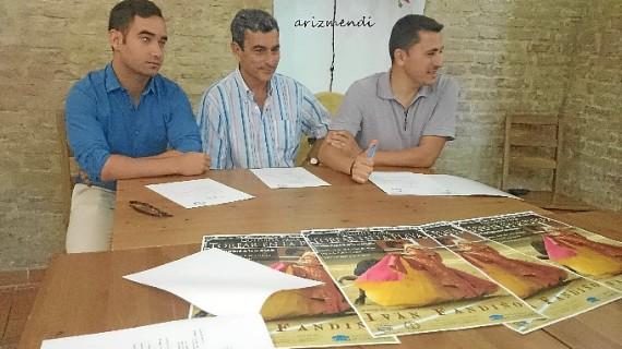 El rejoneador onubense Andrés Romero abre las Colombinas en La Merced