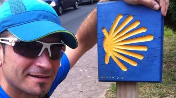 Juan Manuel Arrazola comienza su aventura solidaria desde El Ferrol a Punta Umbría