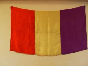 Esta es la bandera republicana que llevó Antonio Llordén y que su hija Laura conserva en México.