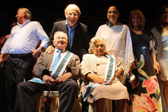 Acto de homenaje a los mayores en las Colombinas 2014.