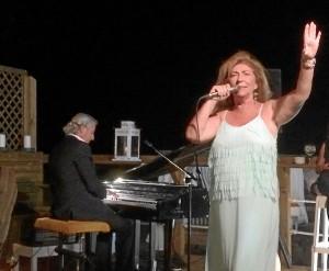 Entre los temas interpretados, Carmen cantó composiciones de su hermano Arturo