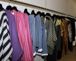 La colección se basa en tres colores y diez tejidos.