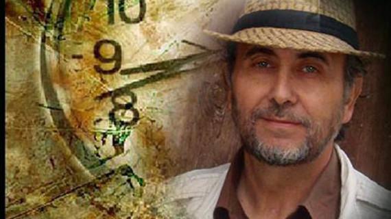El escritor José Romero presenta en Huelva su nuevo libro 'Tres cuartos casi una vida'