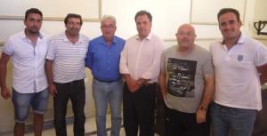Los nuevos rectores del equipo sanjuanero fueron recibidos en el Ayuntamiento por el alcalde y el concejal de Deportes de la localidad.