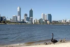 En 2006 se instaló de forma definitiva en Perth.