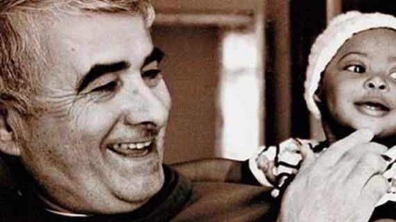 El 'Padre Patera', una vida al servicio de los más necesitados