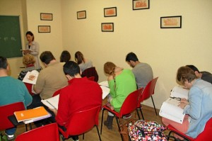 Clases de chino para adultos en el Centro Hispano Asiático.
