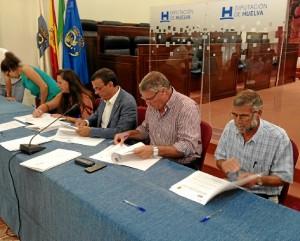 Firma del convenio del nuevo PFEA 2014.