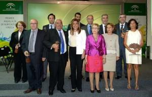 Foto de familia del acto de entrega del premio celebrado en la Consejería.