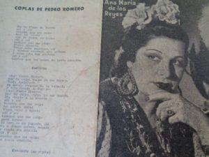 Un tríptico de la época con foto de la coplera onubense y letra de las canciones.