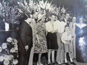 Ana María (con pamela) en un homenaje a Miguel de Molina.