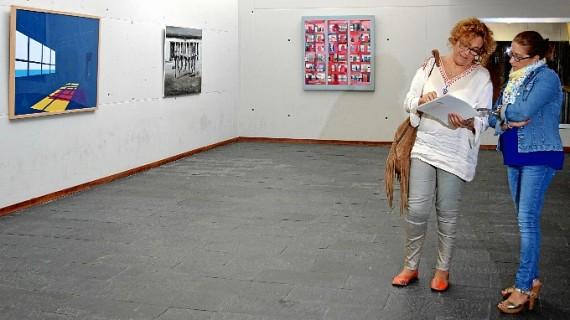 Punta Umbría acoge la exposición del VII Premio de Pintura de la Unia