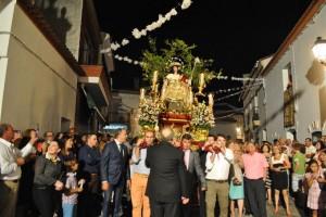 Un instante de la procesión de la Divina Pastora.