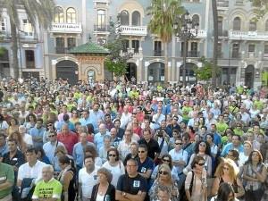 Multitudinaria manifestación en contra del cierre de Ence.