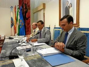 El Presidente de la Diputación de HUelva, Ignacio Caraballo, en la sesión plenaria del mes de septiembre.