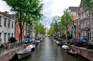 La vida de Amsterdam es muy diferente a la de Huelva.